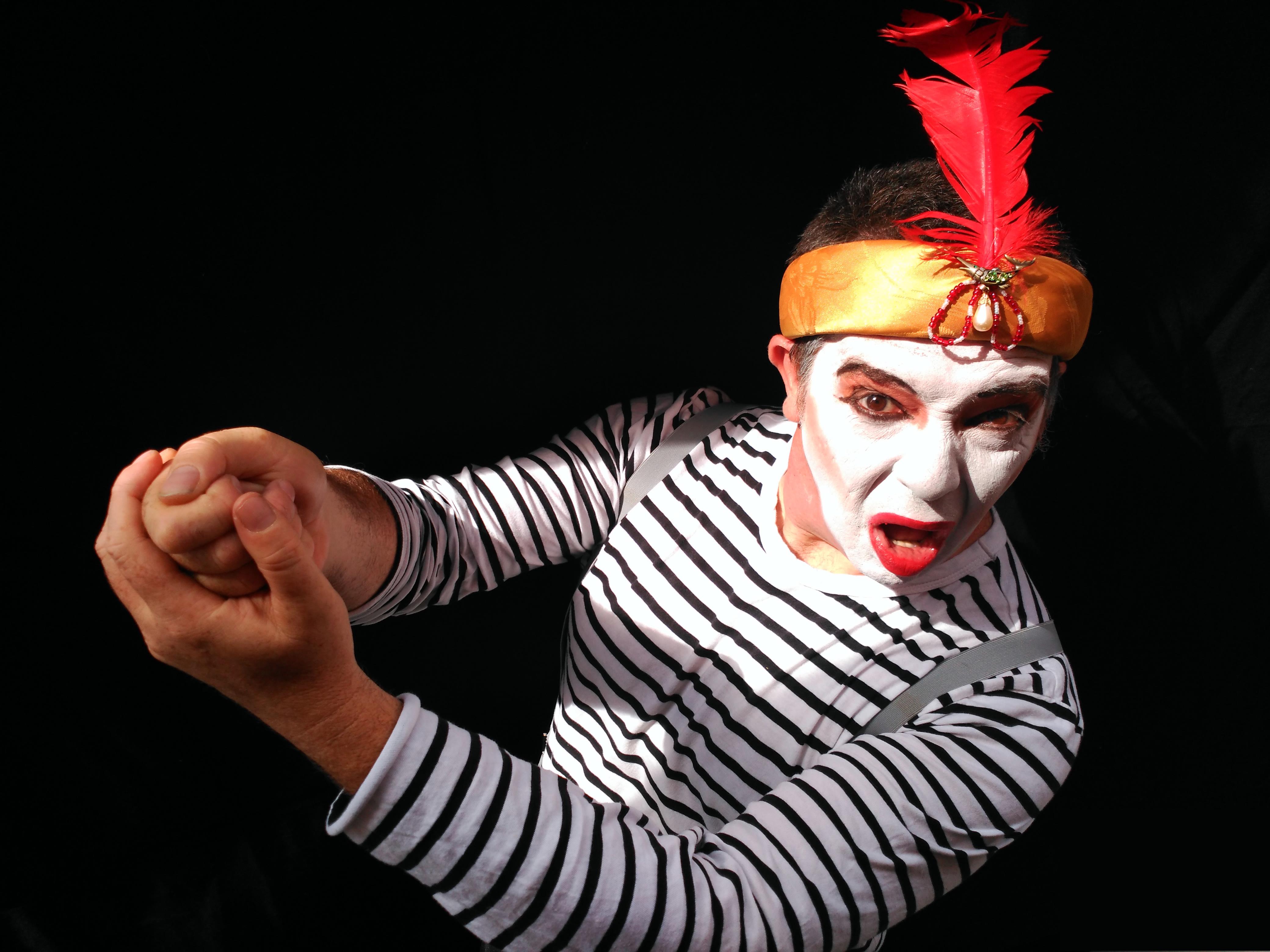 Jesús Puebla Teatro de Mimo Silencio por favor promo